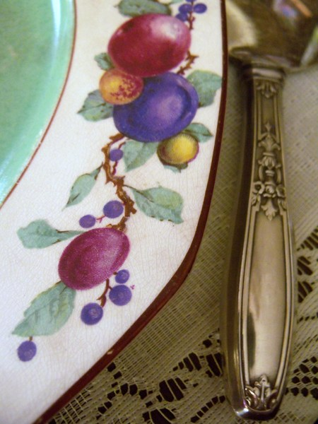 Plum Pudding plate