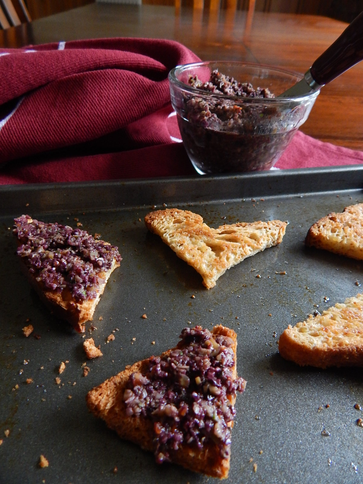 Tapenade on Toast Triangles 2