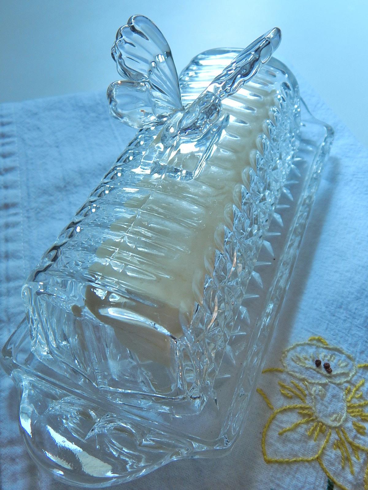 Butterfly butter dish_01.JPG